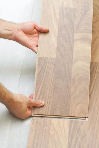 Place-Laminate-Flooring